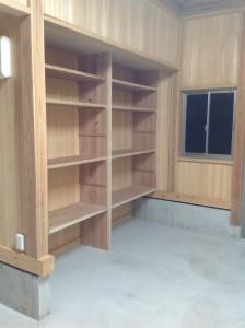 杉の無垢材の棚